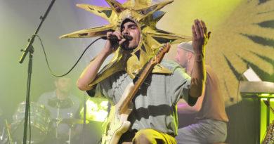 Pêle-mêle : Valence lance son 1er album à Montréal